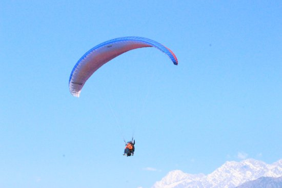 Me, up in the air  - Picture of Skylark School of Paragliding, Bir