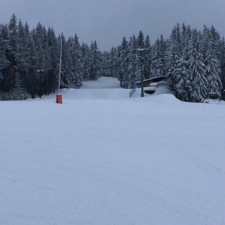 Loucna pod Klinovcem, Tjekkiet: winterwonderland. Perfect conditions for skiing. Lovely Place to be!