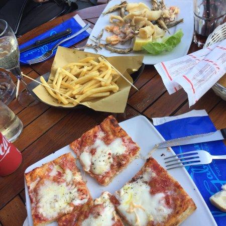 Al gabbiano porto venere restaurant reviews phone for Portovenere cuisine
