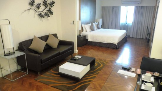 Phachara Suites: Executive Suite 8. Stock