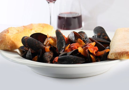 The Kasbah Mediterranean: Mussels with Tomato Butter Sauce & a glass of our Red Wine