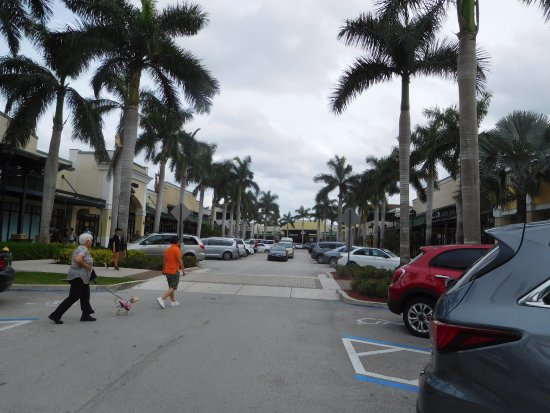 Sawgrass Mills: The Colonnade Outlets