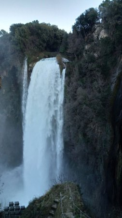 Piediluco, Italie : Cascata delle Marmore vista dal belvedere alto