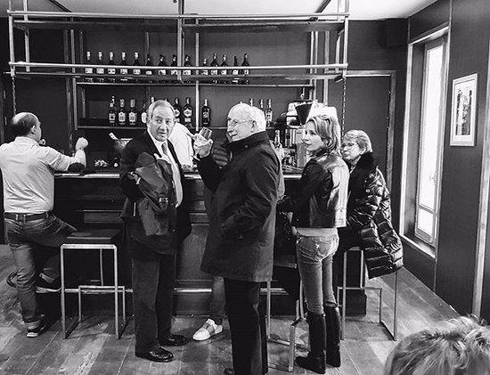 La Frette sur Seine, ฝรั่งเศส: Bar