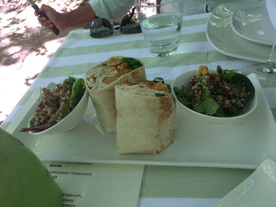 Somerset West, Sydafrika: wraps and salads