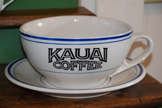 Kalaheo, HI: Enjoy your coffee in a large cup! Savour the aroma and flavour.
