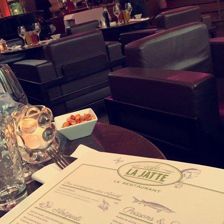 Caf la jatte neuilly sur seine restaurant avis num ro - La table des oliviers neuilly ...