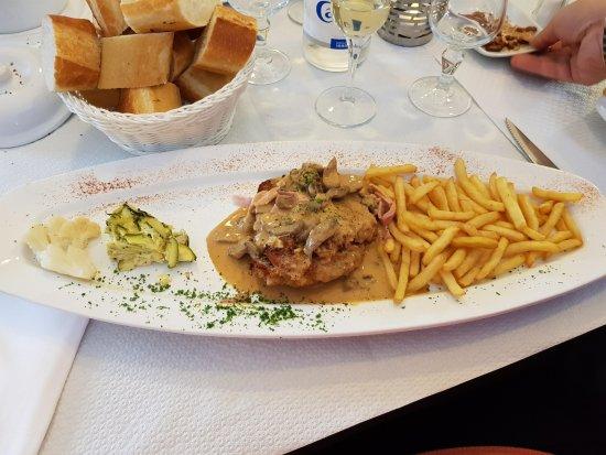 Seingbouse, France : Cordon bleu de veau à la crème