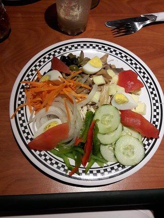 CafeCafe Since 1992: Essa é a salada. Veio tanta coisa que foi impossível comer tudo. Muito gostosa.