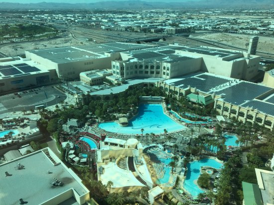 Mandalay bay resort casino updated 2018 prices for Pool show las vegas 2018