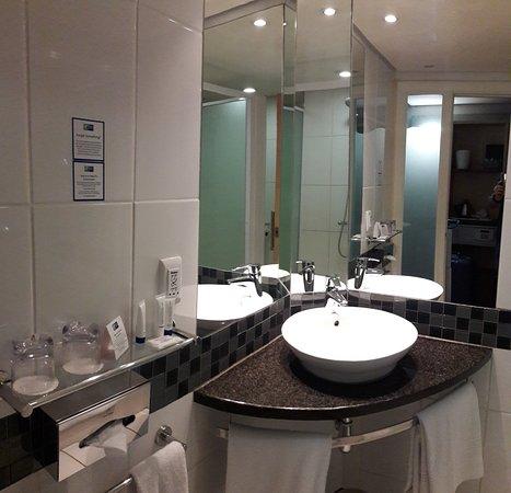 Holiday Inn Express Pretoria-Sunnypark: 20180121_144816_large.jpg