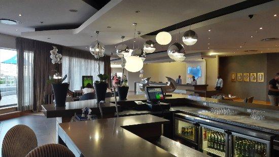 Holiday Inn Express Pretoria-Sunnypark: 20180122_062555_large.jpg
