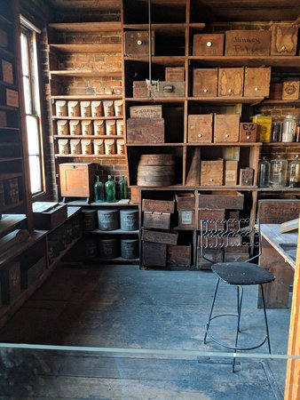 Stabler-Leadbeater Apothecary Museum : Factory tour upstairs