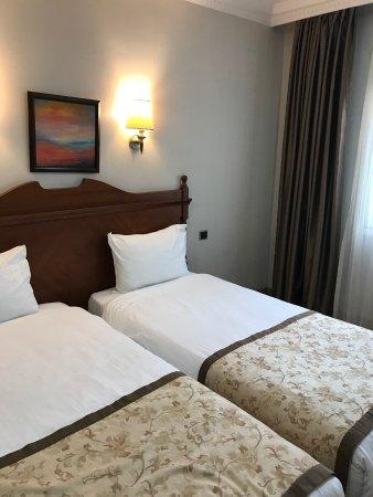 Lady Diana Hotel Photo