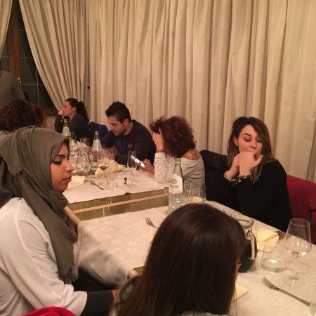 Farneta, Italy: Una ceba con i fiocchi, grazie a Moreno Bianchi, ma sopra tutto a Nicola  che ci servito  come v