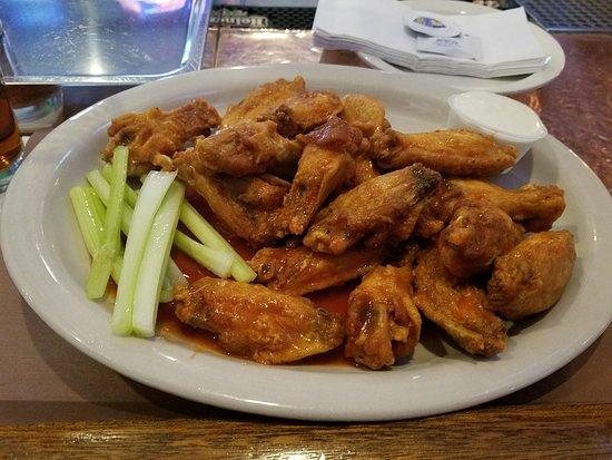 Union, NJ: Wings