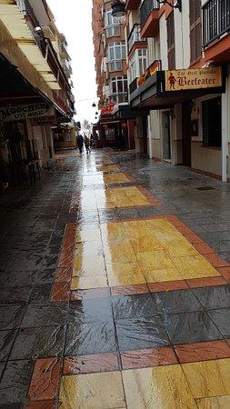هوستال إيطاليا: Calle Cruz gatan ner mot strandpromenaden