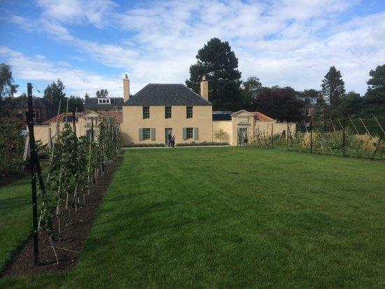 Gardener\'s Cottage at Royal Botanic Gardens Edinburgh - Picture of ...