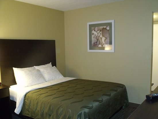 Quality Inn Winslow: Recently renovated Two Queen Non-Smoking Room