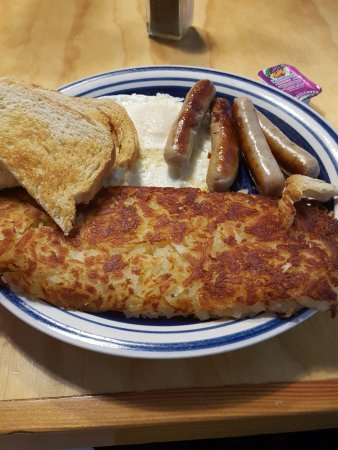 Welches, Орегон: Eggs, sausage, hash browns and sourdough toast