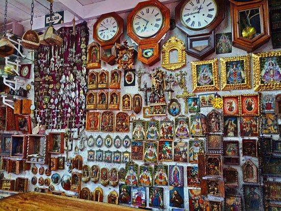 Alvaro Antiques