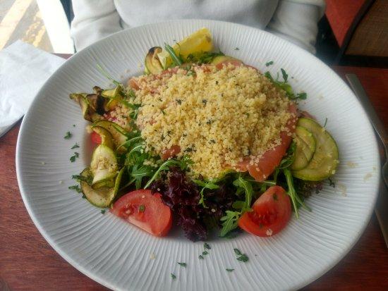 Murella: Smoked salmon salad