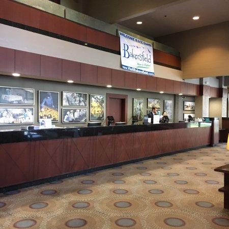 DoubleTree by Hilton Bakersfield: photo1.jpg