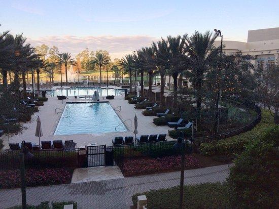 Waldorf Astoria Orlando: Nice Pool Area