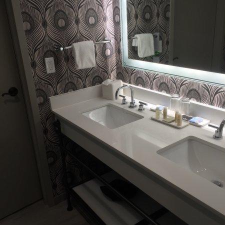 Bathroom Remodel St Pete | Bathroom Mirrors