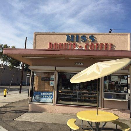 Lynwood, Kalifornien: Miss Donut's and Coffee