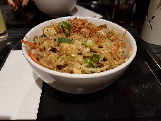 wok noodles kip
