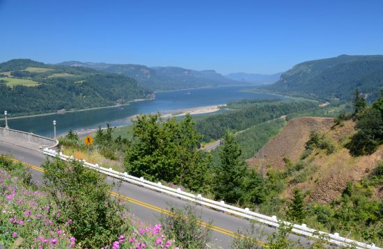 Vista House: View of the gorge