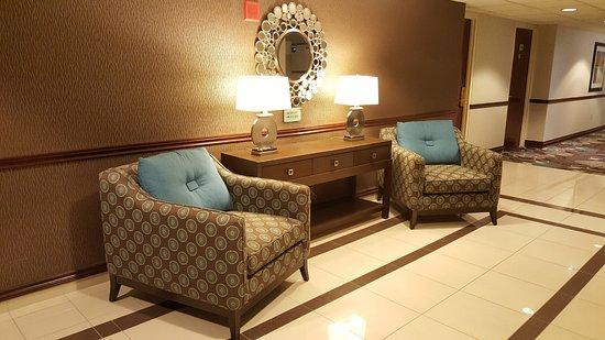 Best Western Plus The Arden Park Hotel: Hallway