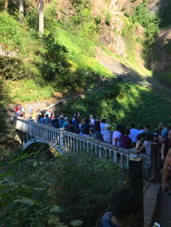 Busy bridge at Multnomah Falls