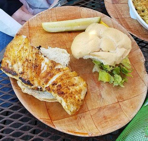 Redington Shores, FL: Lightly blackened Grouper sandwich