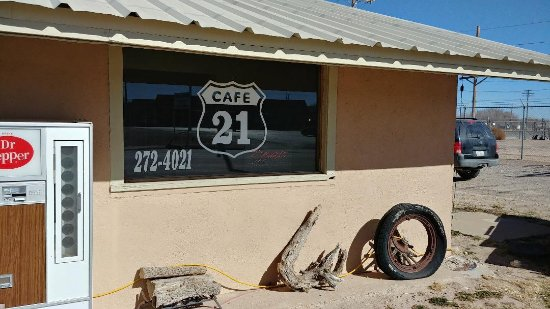 Muleshoe, TX: Front of Cafe 21 in Muleshow, Texas