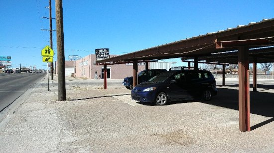 Parking at Cafe 21 in Muleshoe, Texas