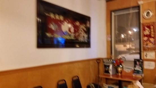 Milton Freewater, OR: The usual Chinese pictures on the wall