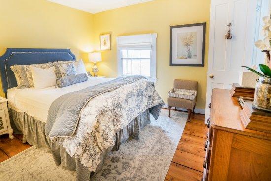 Wallingford, VT: Weston Room