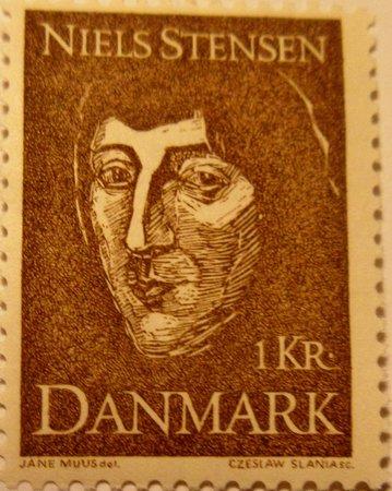 """Copenhagen, Denmark: Niels Stensen på frimærke i 1969 i anledning af 300-året for udgivelsen af """"Om faste Legemer"""""""