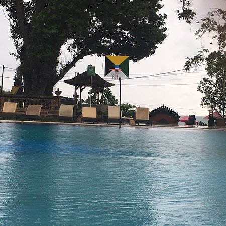 Puri Saron Seminyak: Pool area at Puri Saron