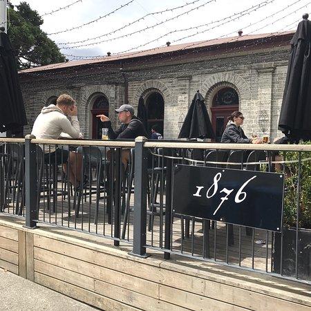 1876 Bar And Restaurant: photo1.jpg
