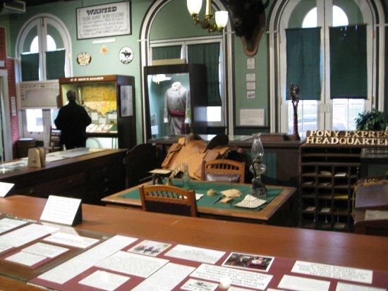 Patee House Museum: Pony Express Headquarters