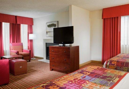 Residence Inn Dallas Las Colinas : Guest room