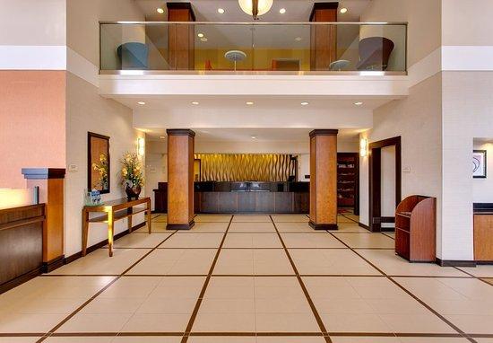 Fairfield Inn & Suites San Francisco Airport/Millbrae: Lobby