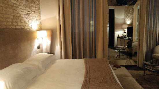 A very nice boutique hotel with modern rooms and a gourmet