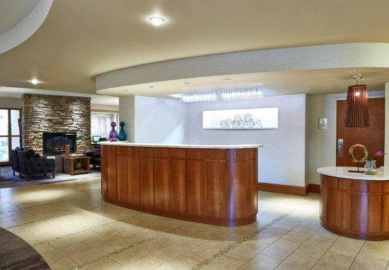 Brighton, État de New York : Lobby