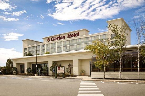 Clarion Hotel: Exterior