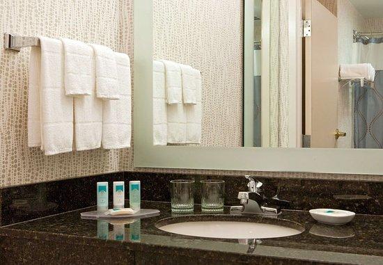 springhill suites tarrytown greenburgh 101 1 1 9. Black Bedroom Furniture Sets. Home Design Ideas