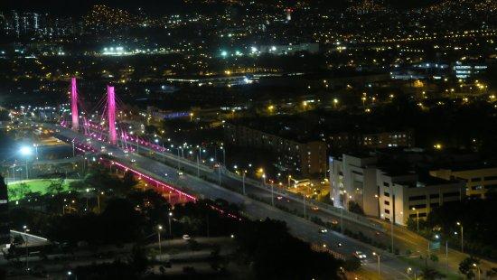 Affinity Apart Hotel: View of the Bridge